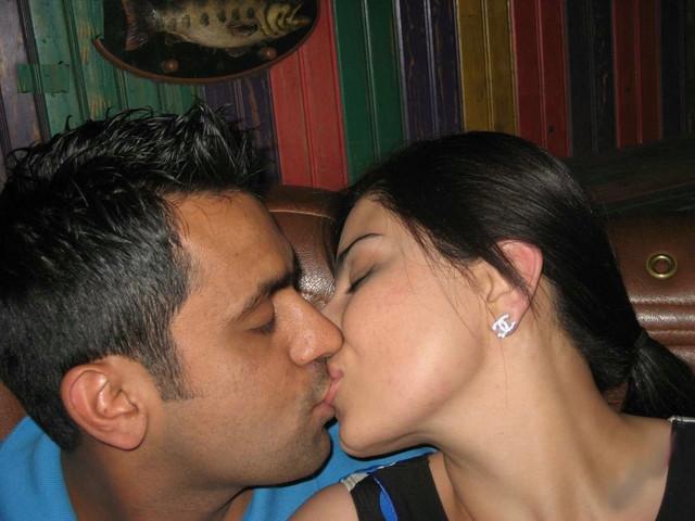 [Image: 001-nri-couple-hot-photos.jpg]