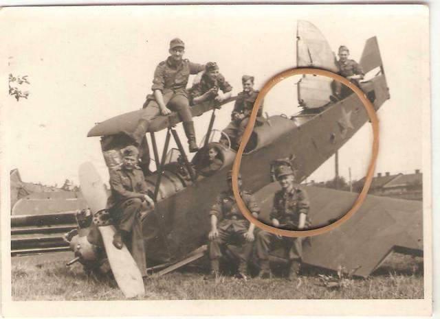 Abgeschossener-russischer-Doppeldecker-Foto-12-x-9-cm