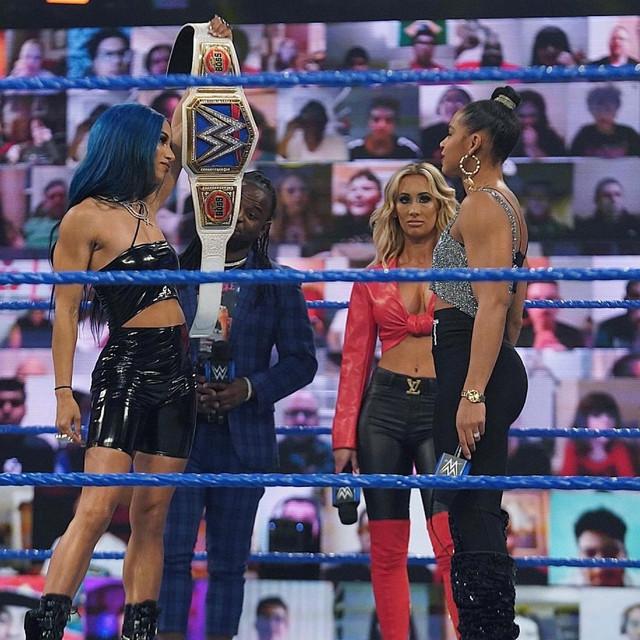 Bianca Belair reta a Sasha Bank y Carmella SmackDown 5 Febrero