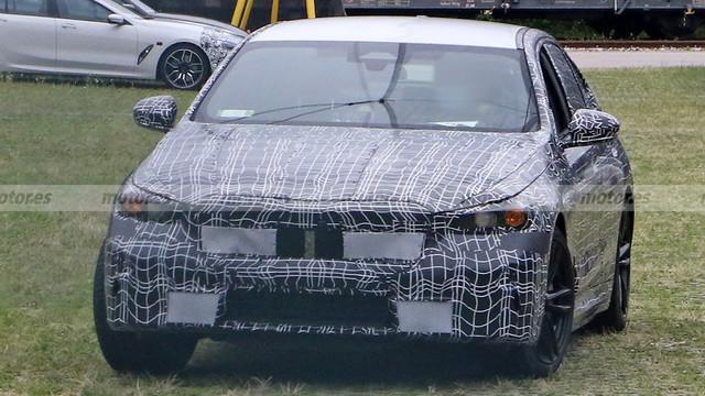 2023 - [BMW] Série 5 / M5 [G60 / G61] 9-BC0-DD2-E-A545-4-D96-833-E-66946-F450042