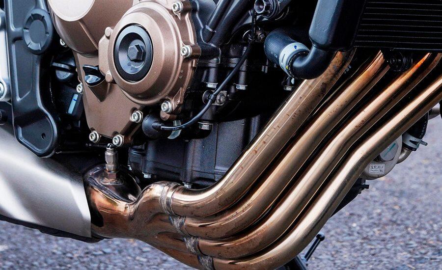 MOTOR-HONDA-DE-CUATRO-CILINDROS-900x550