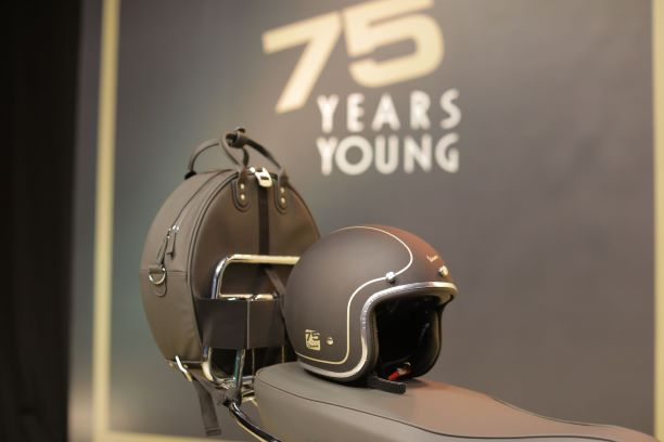 6-Vespa-75th-Anniversary-Jet-Helmet