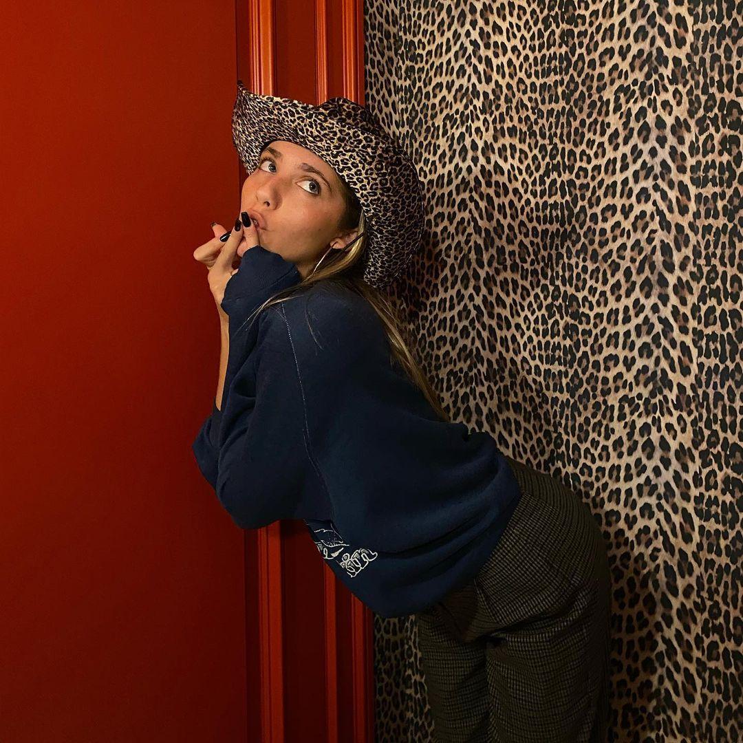 Frankie-Stark-Wallpapers-Insta-Fit-Bio-2