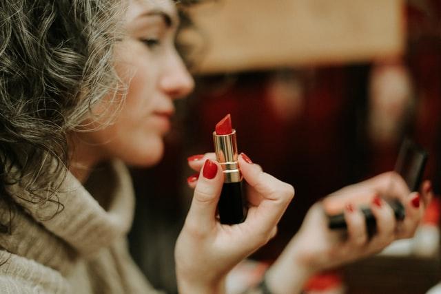 https://i.ibb.co/bmdg8BT/5-chinese-private-label-lipstick-manufacturer.jpg