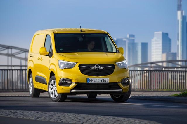 Electrique et pratique : le nouveau fourgon compact Opel Combo-e Cargo Cargo 04-Opel-Combo-e-Cargo-514055