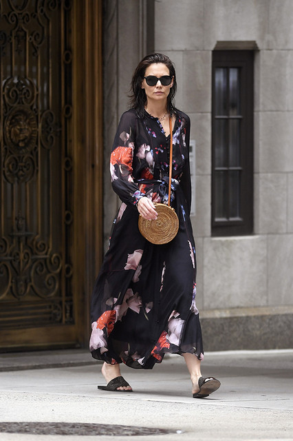 Katie-Holmes-goes-0ut-shopping-at-ABC-carpet-and-Home-in-New-York-City-Pictured-Katie-Holmes-Ref-SPL