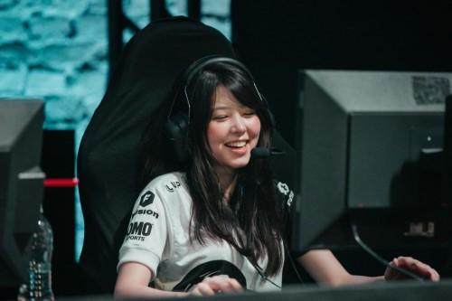 Penuh Gairah, Tim eSports Ini Punya Wanita Cantik di Rosternya