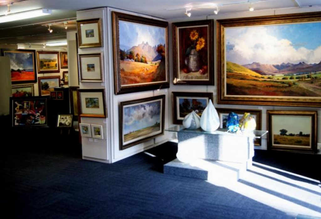 Gallery Art &  Entertainment