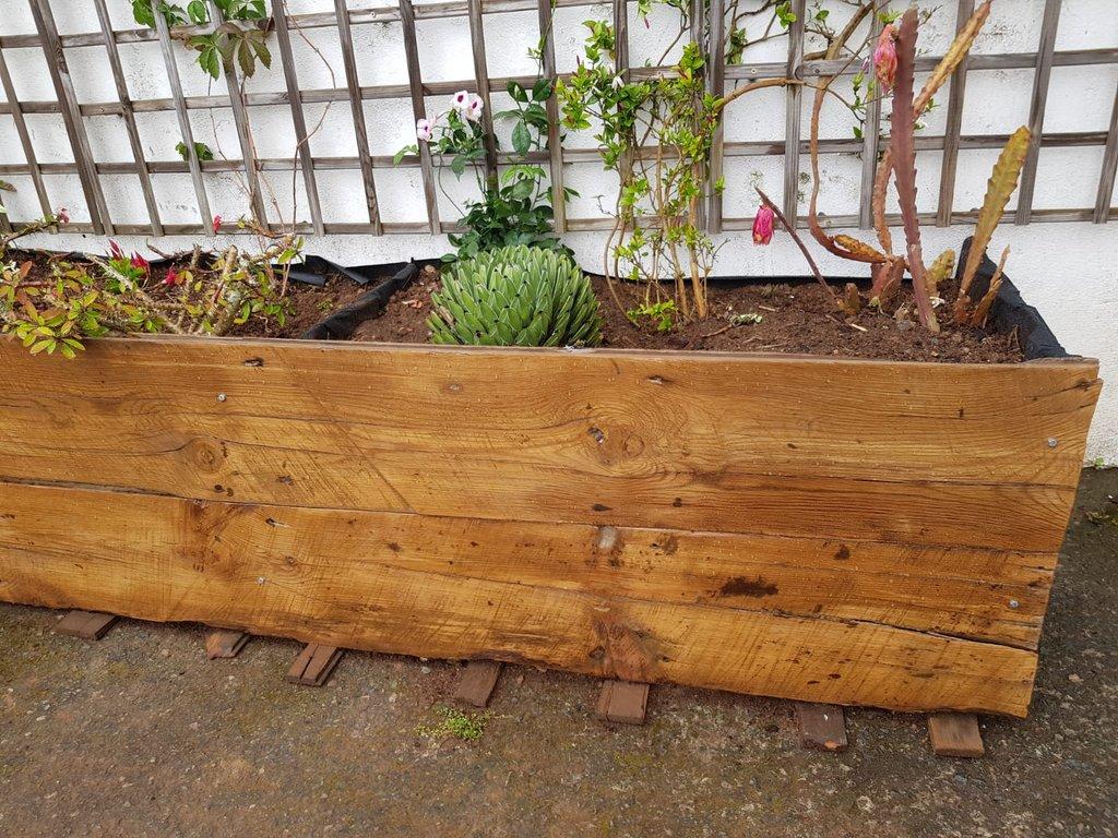 Jardinera-madera-celos-as-2.jpg