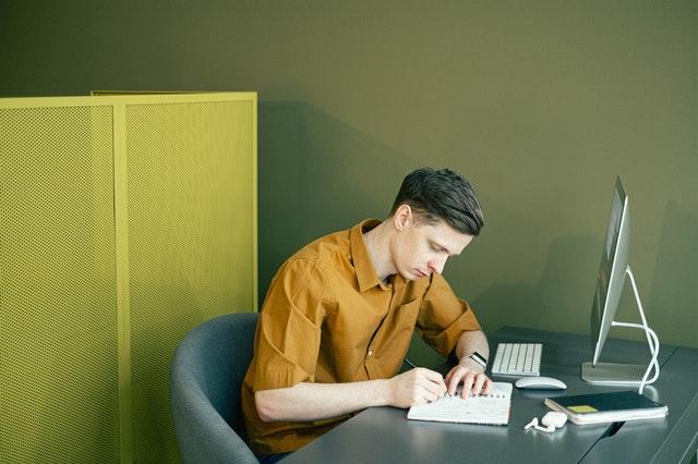 https://i.ibb.co/bsvg1DK/essay-writing-experts.jpg