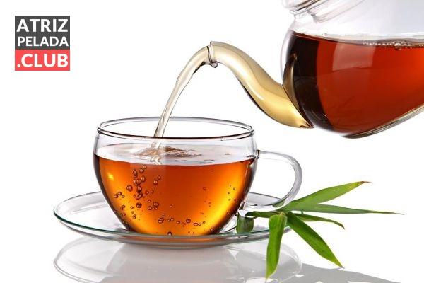 Chá de catuaba com salsaparrilha