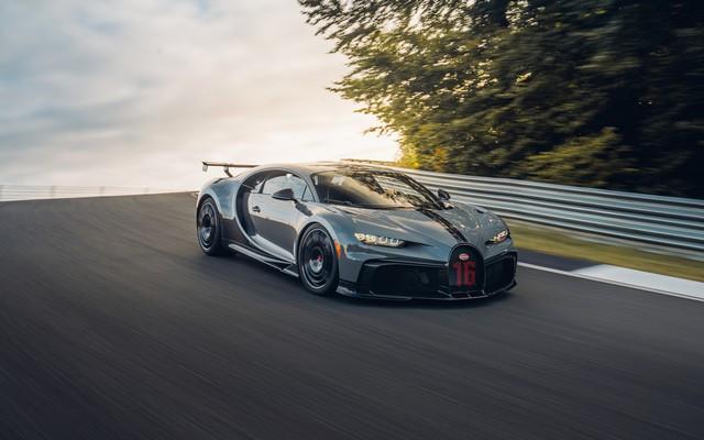 Premiers trajets en Bugatti Chiron Pur Sport 24-15-pur-sport-first-drives-jet-grey