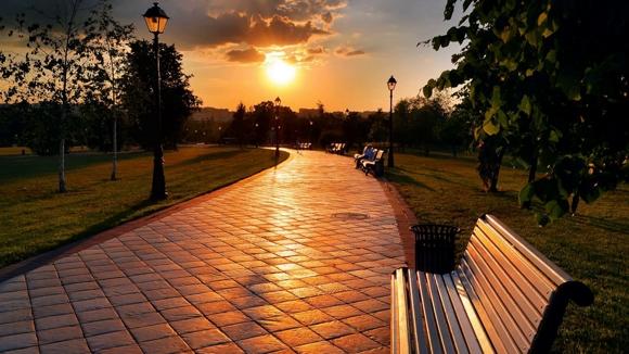 https://i.ibb.co/bzHgBc2/rossiya-harkov-park-vecher-lavochka-879-1280x720.jpg