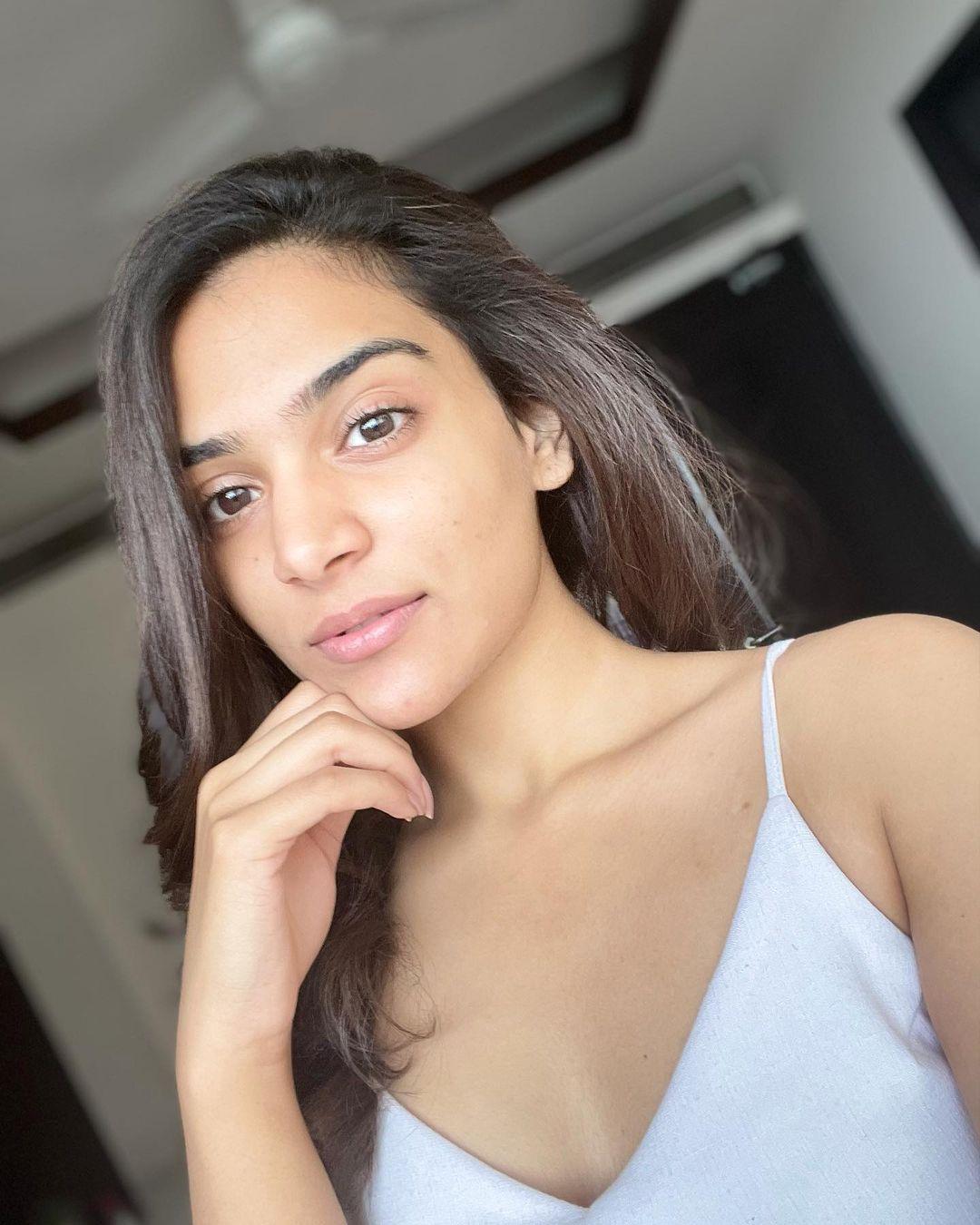 candidatas a femina miss india 2020. final: 10 feb. top 15 pag.3. - Página 3 W8tOZ