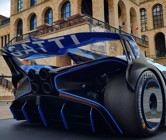 2020 - [Bugatti] Bolide concept 3-C921-BD7-70-E1-41-B0-9-E65-95-DE4804-BF86