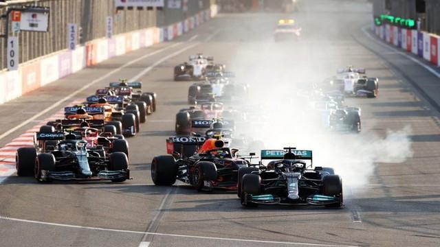 F1 GP d'Azerbaijan 2021 : Victoire Sergio Pérez (Red Bull Racing) 1322142879