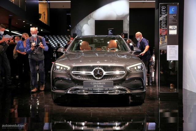 2021 - [Mercedes-Benz] Classe C [W206] - Page 18 AA3-C08-B9-076-A-4980-A061-535-A7-C4-C6-C1-C