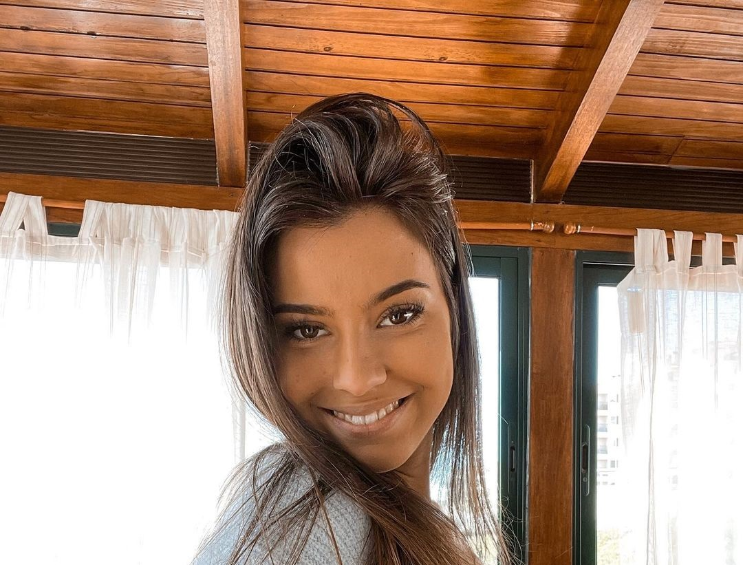 Carly-Santos-Wallpapers-Insta-Fit-Bio-4