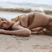 KENDALL-JENNER-NUDE-FULL-FRONTAL-SHOW-020