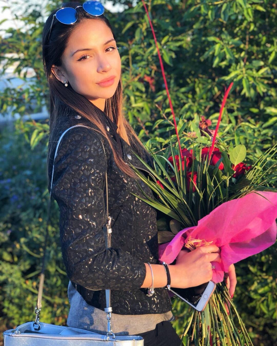 Genissa-Gonzalez-Wallpapers-Insta-Fit-Bio-5