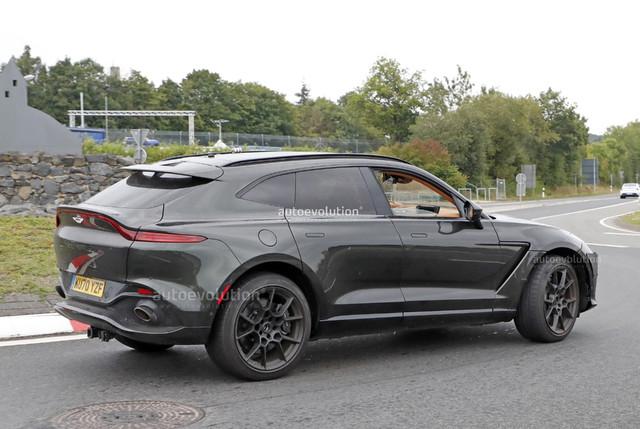 2019 - [Aston Martin] DBX - Page 10 62474930-C60-C-40-F1-B570-FA8-DE400-B957