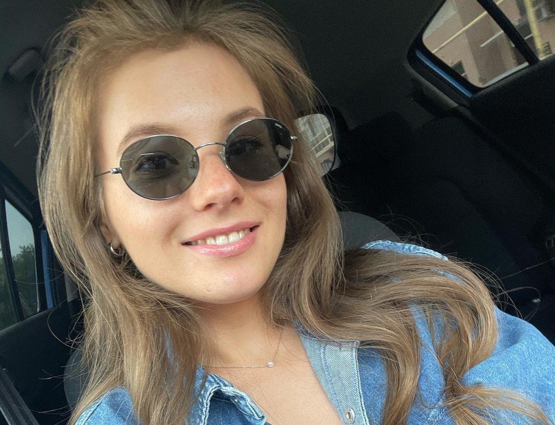 Anna-Kudinova-Wallpapers-Insta-Fit-Bio-29