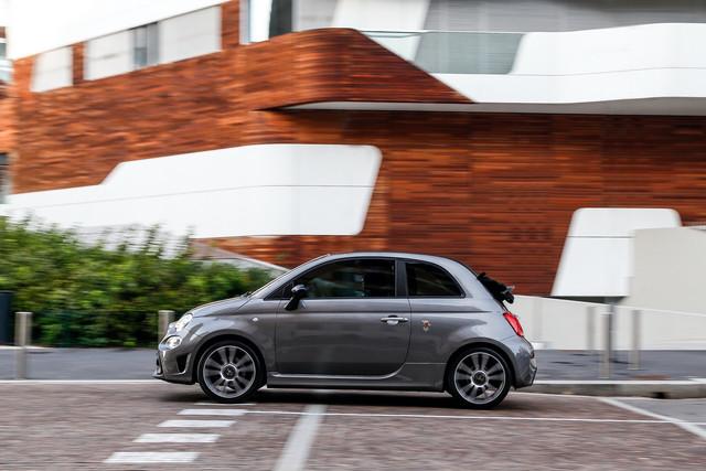2015 - [Fiat] 500 Restylée - Page 24 71-CED245-868-B-47-D9-A7-BC-D7-B74152-BDF5