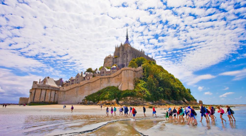 MAGIČNA DESTINACIJA NA KILOMETAR OD NORMANDIJE: Mon Sen Mišel je nevjerovatan grad, zamak, ostrvo i opatija u jednom!