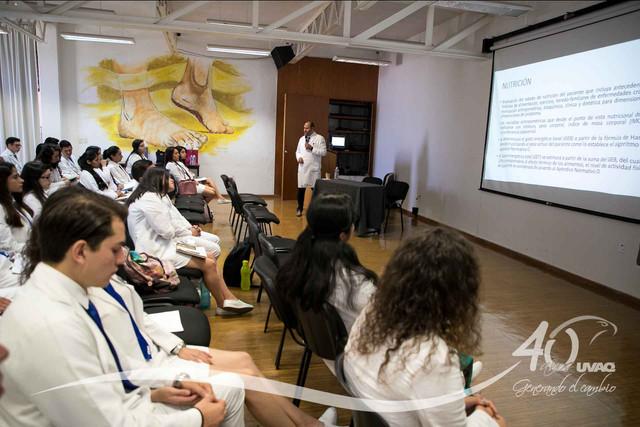 conferencia-normatividad-salud-Medicina-UVAQ-IMG-8263