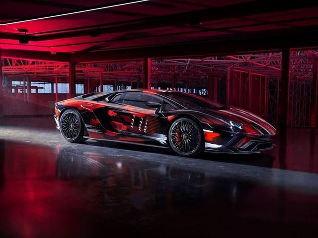 Automobili Lamborghini et Yohji Yamamoto célèbrent l'inauguration du Lamborghini Lounge Tokyo et du Studio Ad Personam 571301