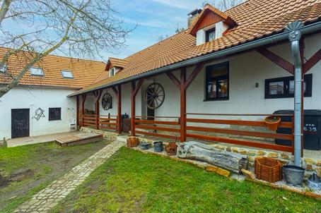 chalupa-jizni-cechy