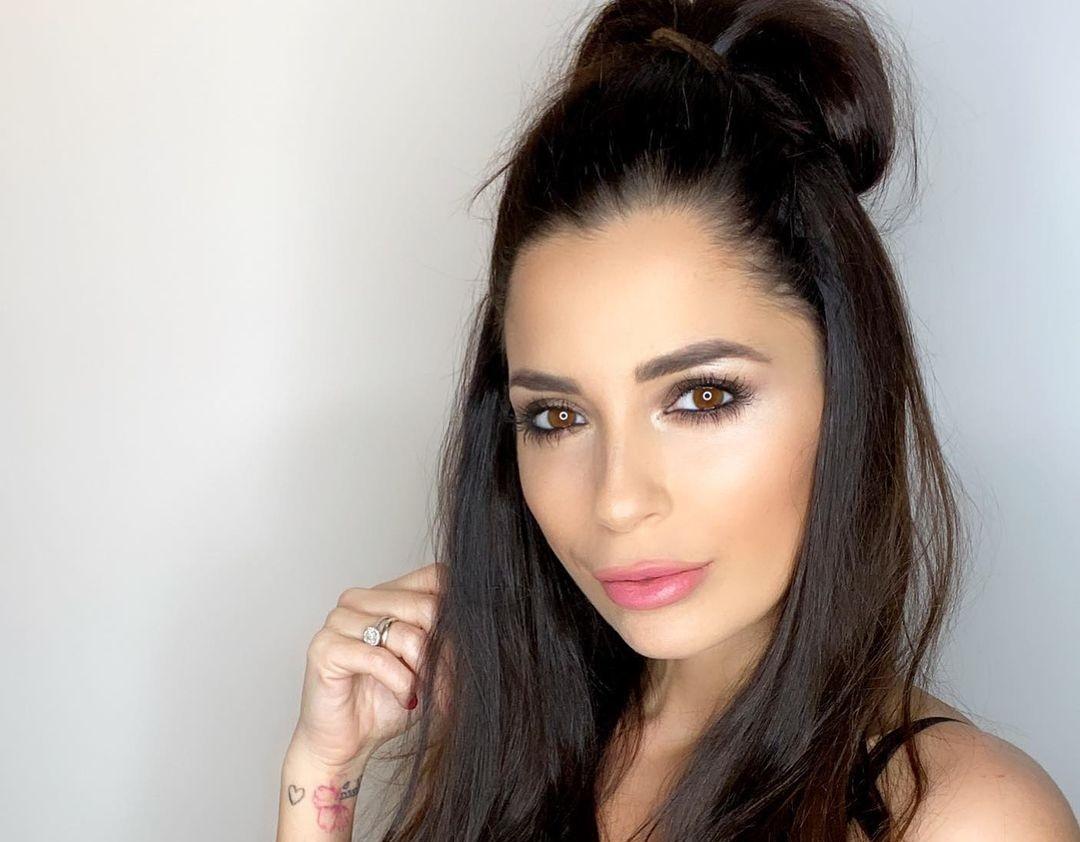 Alessia-Macari-Wallpapers-Insta-Fit-Bio-10
