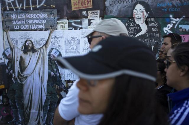 Chile-despert-un-tour-por-el-arte-callejero-inspirado-por-la-revuelta-AFP-5