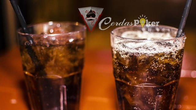 5 Bahaya Keseringan Mengkonsumsi Minuman Bersoda
