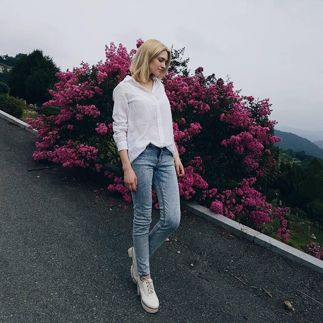 Anastasia-Jung-Wallpapers-Insta-Fit-Bio-4