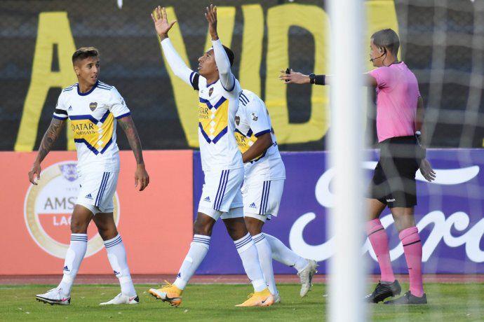 Copa Libertadores: con un golazo de Villa, Boca debutó con un triunfo en la altura de La Paz
