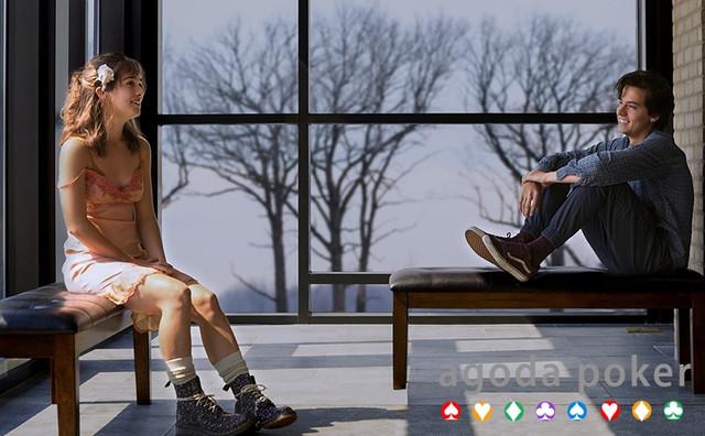 Review Film Five Feet Apart, Cinta yang Terpisahkan Penyakit Mematikan