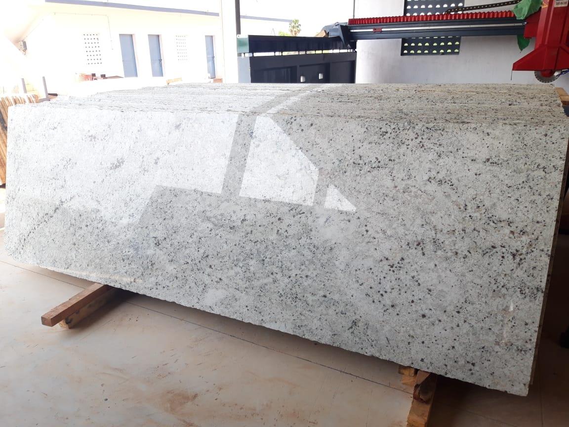Colonial White Granite Slabs