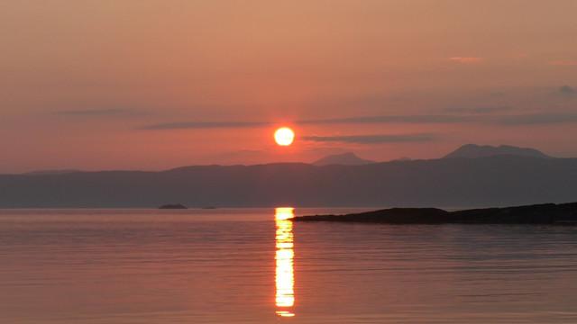 Keep-Turning-Left-15-The-slate-islands-in-4-K-Still002-sunset-over-jura