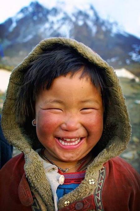https://i.ibb.co/ck9gC0N/kid-smiles-91.jpg