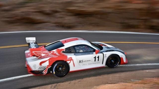 Jeff Zwart et la Porsche 935 se préparent pour l'ascension internationale de Pikes Peak Thumbnail-200809rb-626