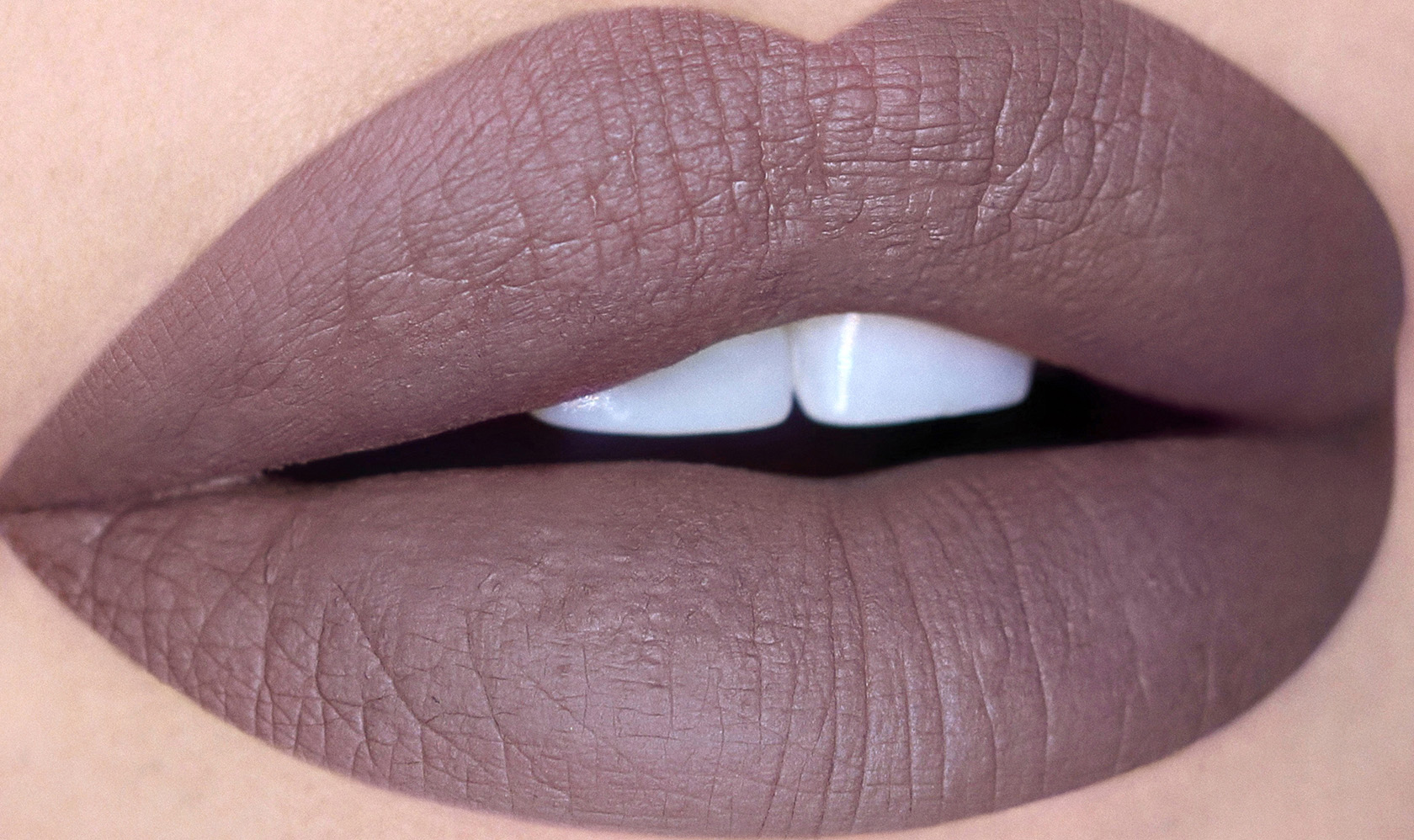 abh-liquid-lipstick-lips