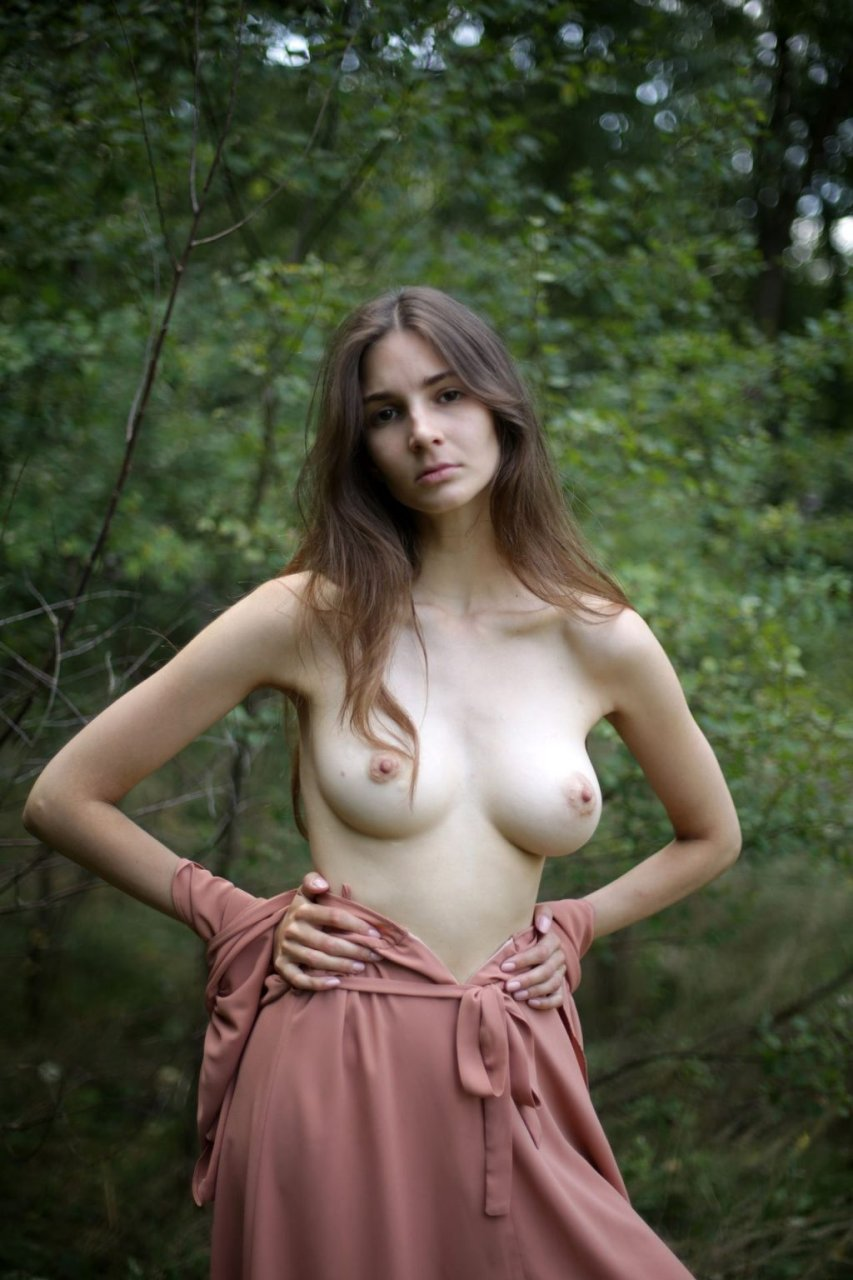 Lina-Lorenza-Nude-Lonely-Fields-by-Maria-Kotylevskaja-12-The-Fappening-Blog-com-1024x1536