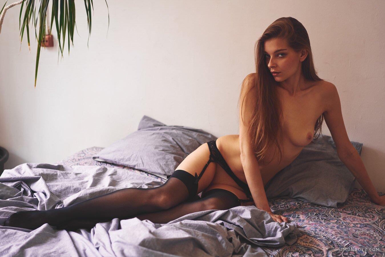 Anna Raise / Photographed by Simon Bolz