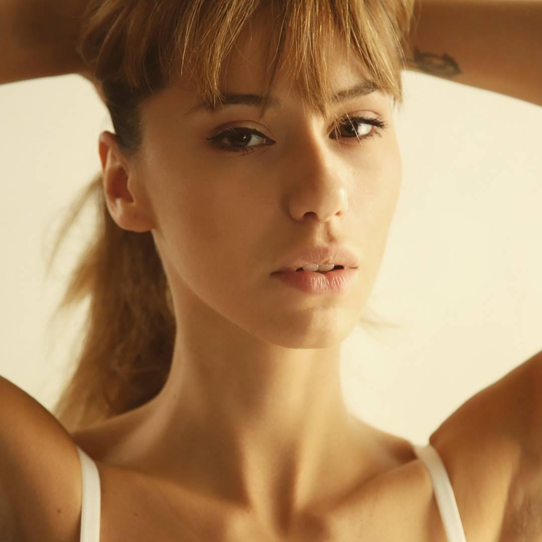 Laura-Cartier-6