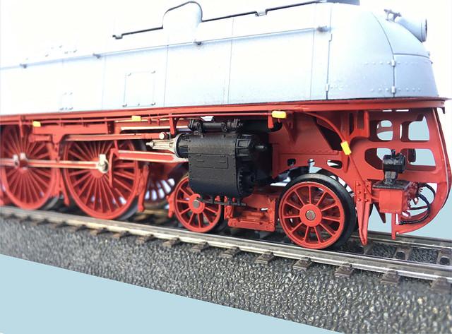 Adler-Modellbau-BR-05-teilentstromt-3