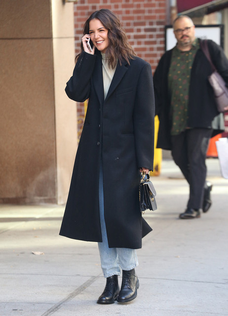 Katie-Holmes-is-all-laughs-and-smiles-while-talking-on-her-phone-during-a-stroll-in-New-York-Picture