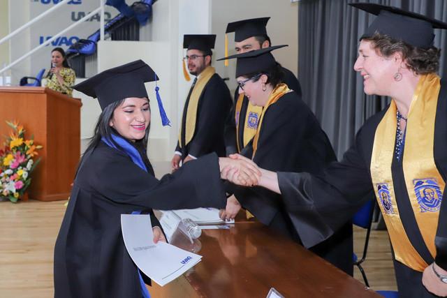 Graduacio-n-Gestio-n-Empresarial-24