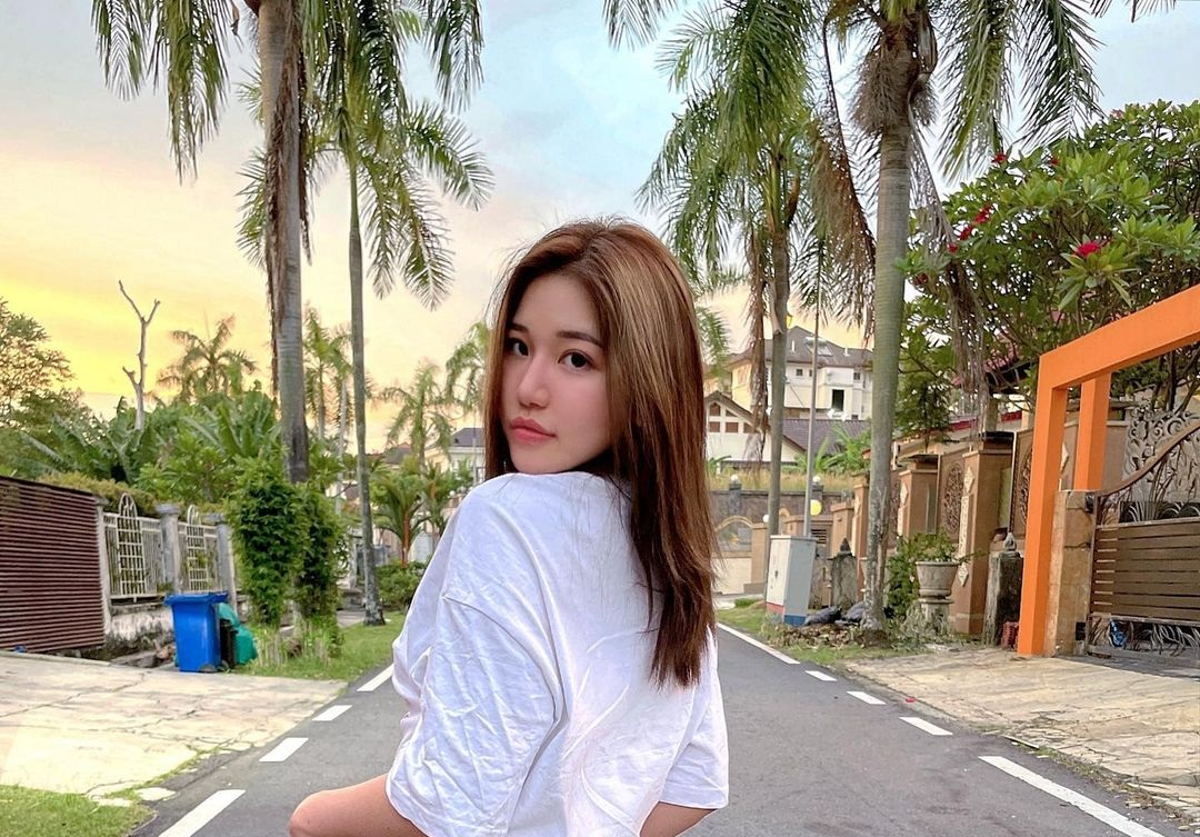 Siew-Pui-Yi-Wallpapers-Insta-Fit-Bio-2