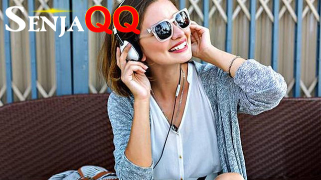 4 Zodiak Paling Suka Mendengarkan Musik Berdasarkan Astrologi
